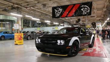 Dodge Challenger SRT Demon video