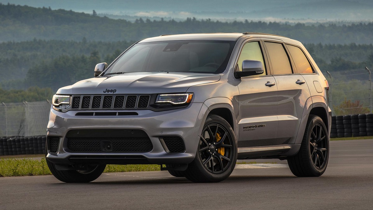 jeep grand cherokee trackhawk vs mclaren 570s chi vincer il quarto di miglio video. Black Bedroom Furniture Sets. Home Design Ideas