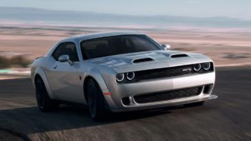 Dodge Challenger SRT Hellcat Redeye Video
