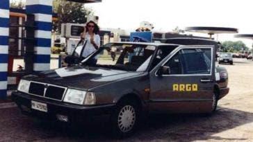 Lancia Thema prima auto a guida autonoma compie 20 anni