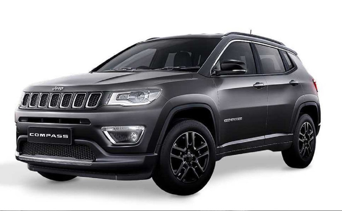 jeep compass black pack limited edition debutta in india in edizione limitata. Black Bedroom Furniture Sets. Home Design Ideas