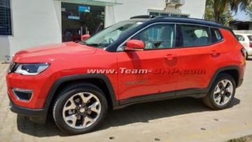 Jeep Compass Limited Plus foto spia