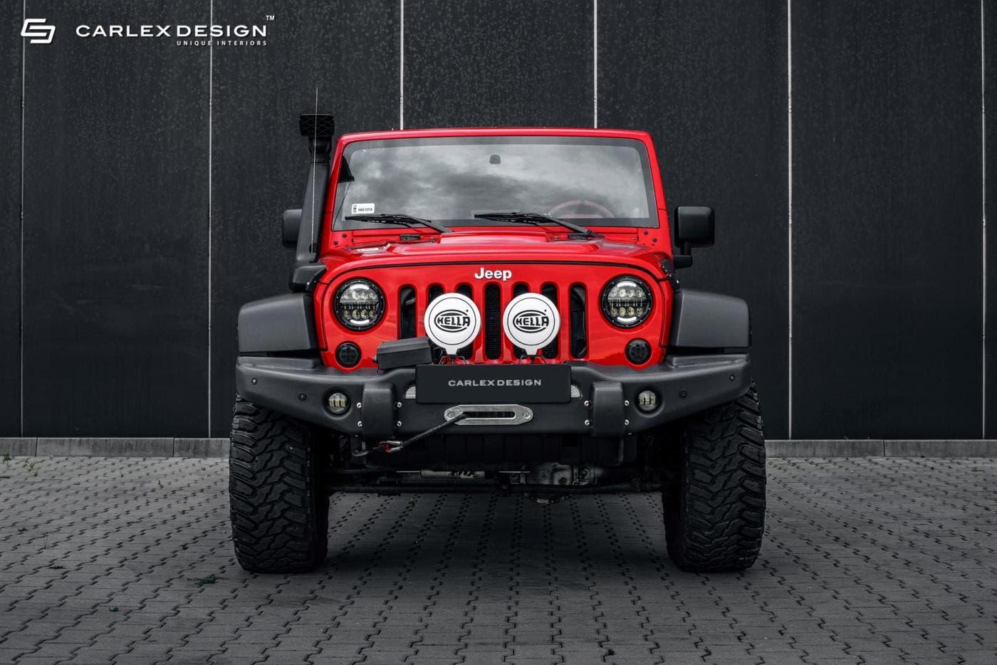 jeep wrangler un vecchio esemplare trasformato in un fuoristrada di lusso. Black Bedroom Furniture Sets. Home Design Ideas
