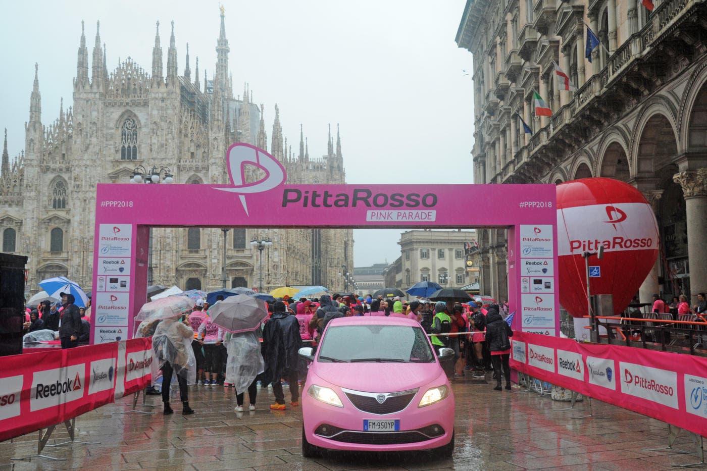Lancia Ypsilon rosa Pink Parade 2018