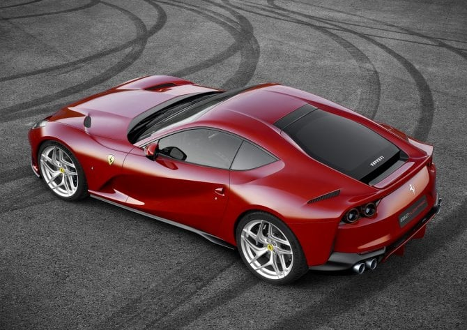 Ferrari 812 Superfast hard-top pieghevole rumor