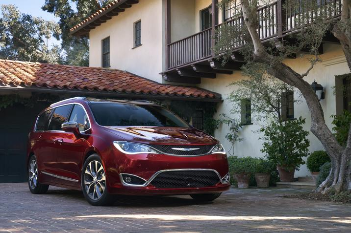 Chrysler Pacifica 2019 Top Safety Pick IIHS