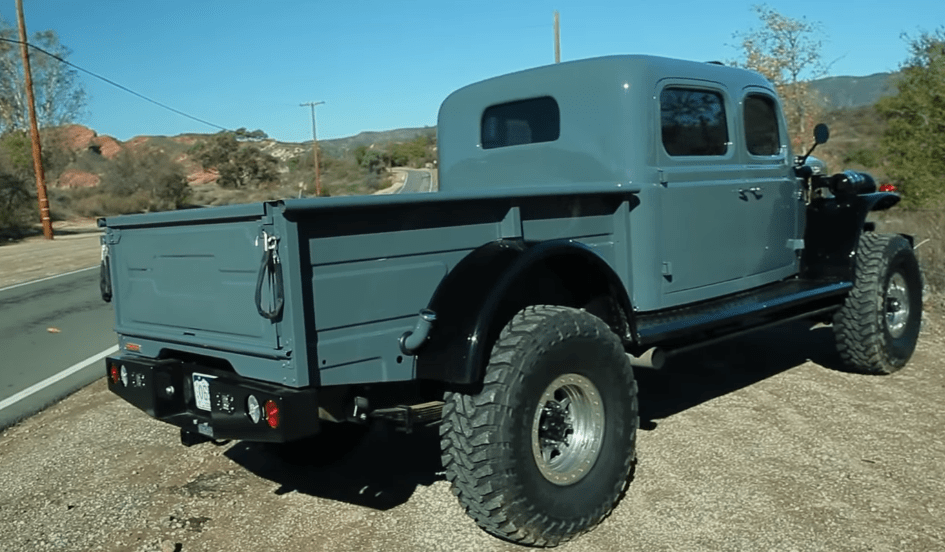 Dodge Power Wagon 1949 restomod
