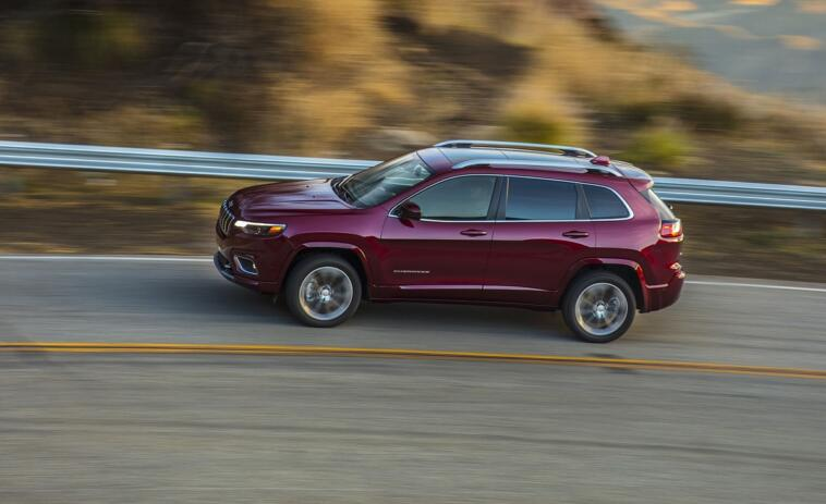 Jeep Cherokee 2019 test Consumer Reports