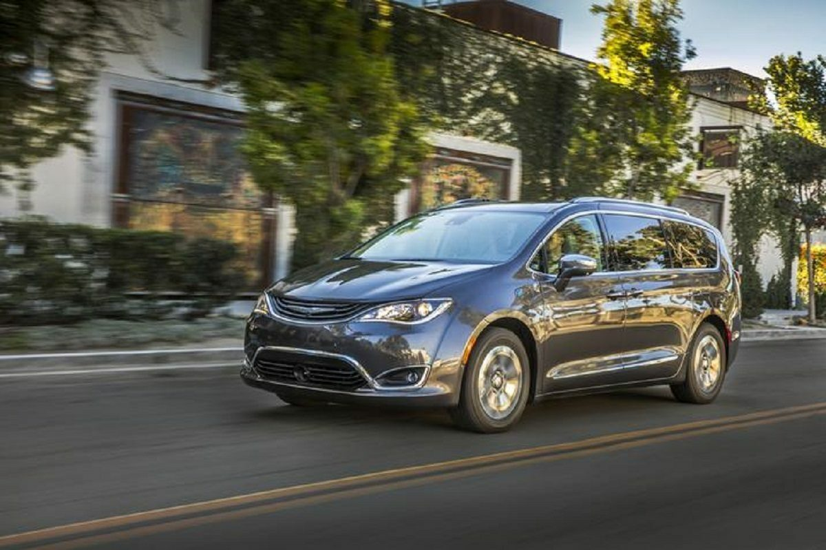 Chrysler Pacifica Hybrid Best EV in Canada 2019