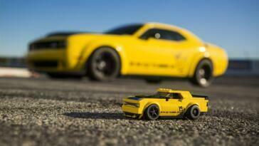 Dodge Challenger SRT Demon e Charger R/T 1970 Lego