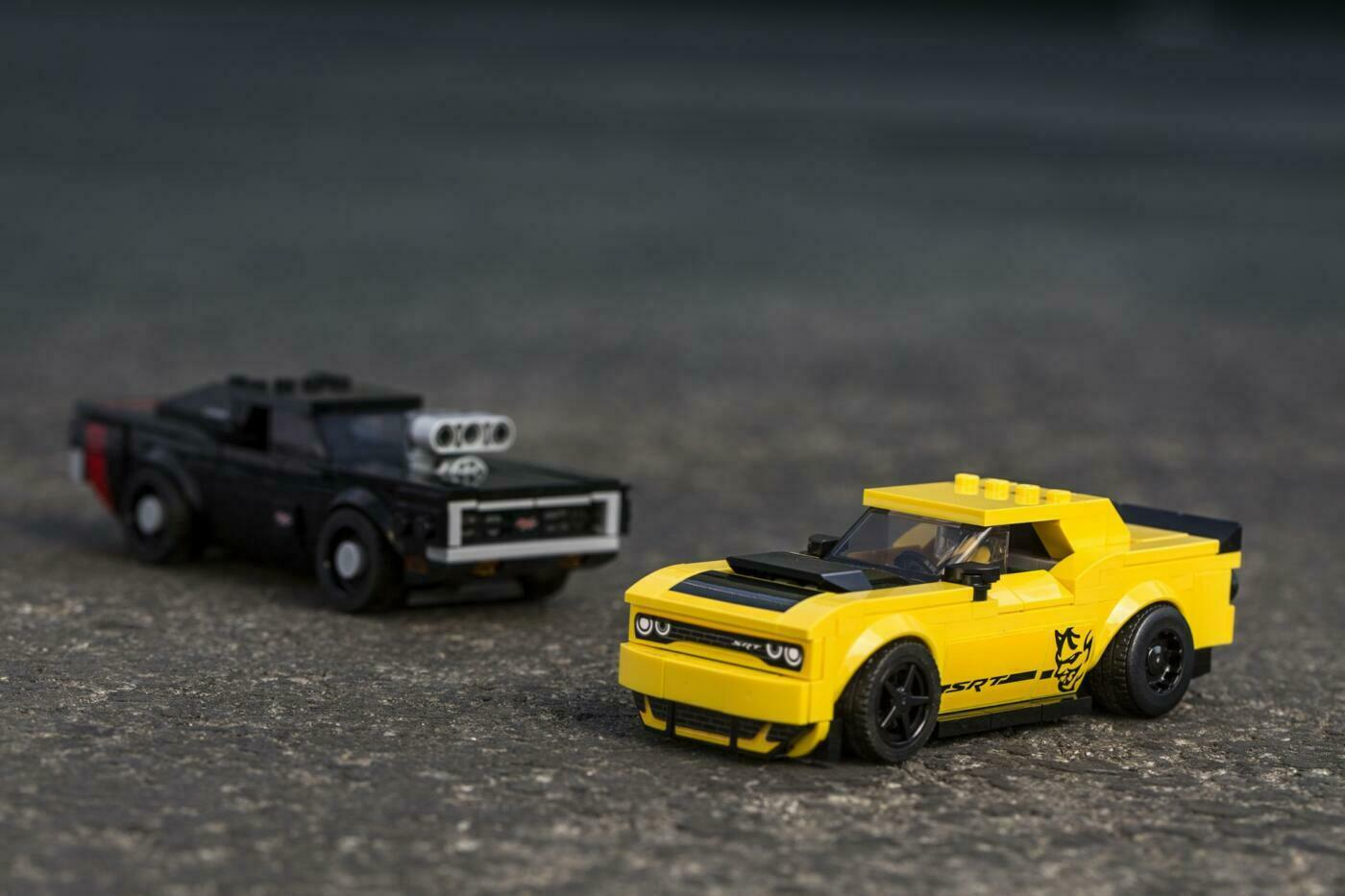 Dodge Challenger SRT Demon e Charger R/T 1970 Lego