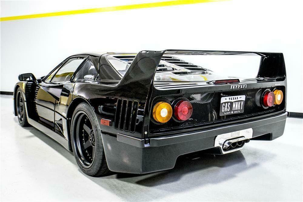 Ferrari F40 nera asta
