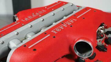 Ferrari FF motore V12 asta