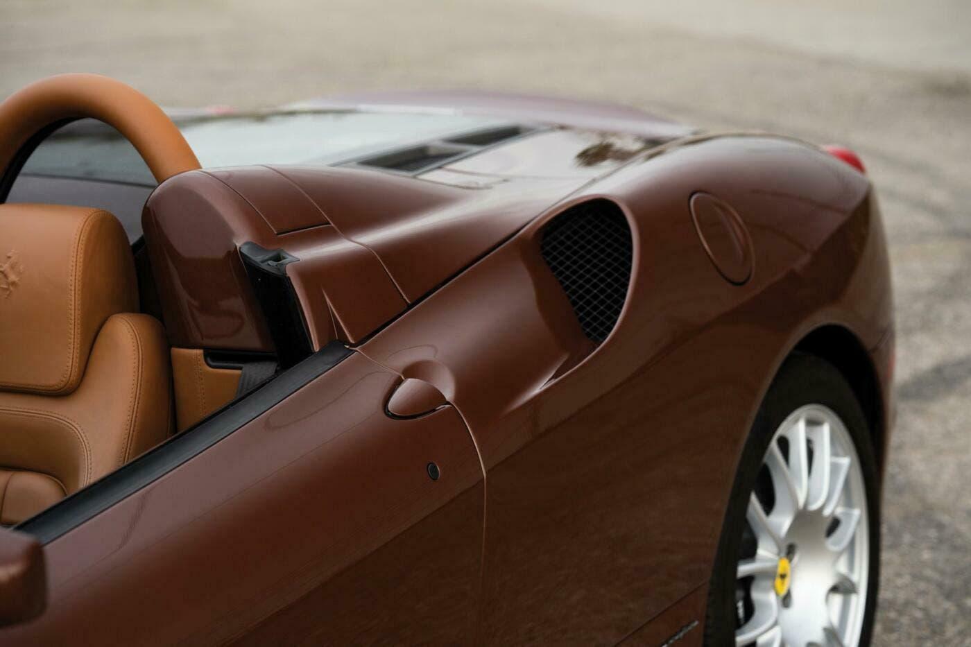 Ferrari F430 Spider Marrone 1971 asta