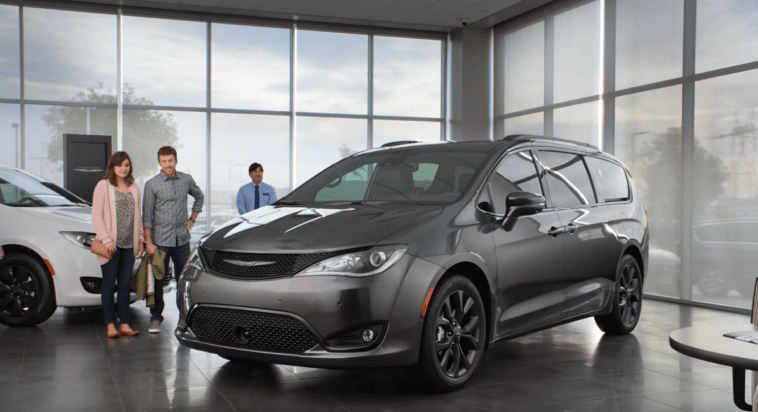 Chrysler Pacifica Jamie Foxx video