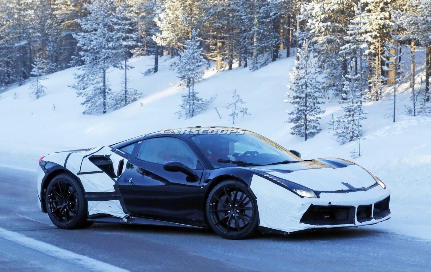 Ferrari nuova Supercar ibrida foto spia
