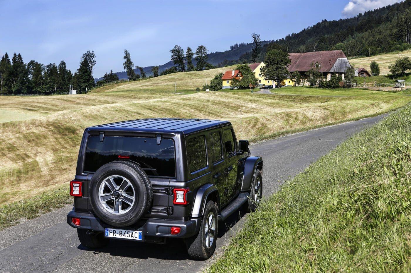 Jeep Wrangler in promozione a 42.700