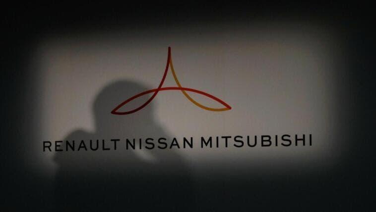 Renault punta alla fusione con Nissan e guarda a Fca