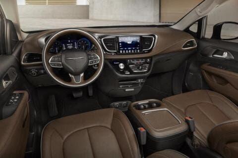 Chrysler Pacifica Best New Car Award 2019 Minivan