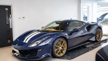 Ferrari 488 Pista Blu Scozia
