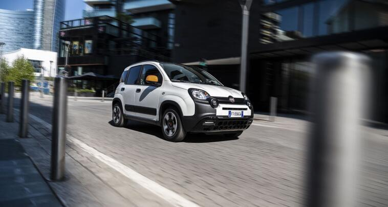 Fiat Panda Connected by Wind, citycar connessa
