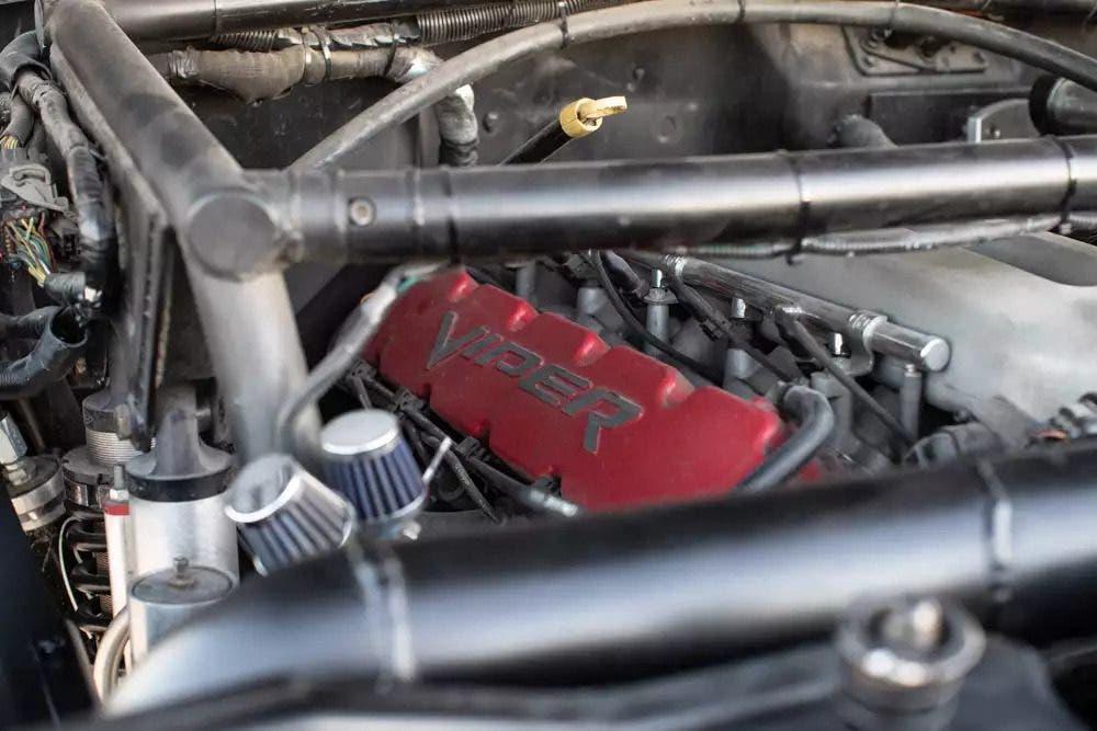 Jeep J10 motore Viper