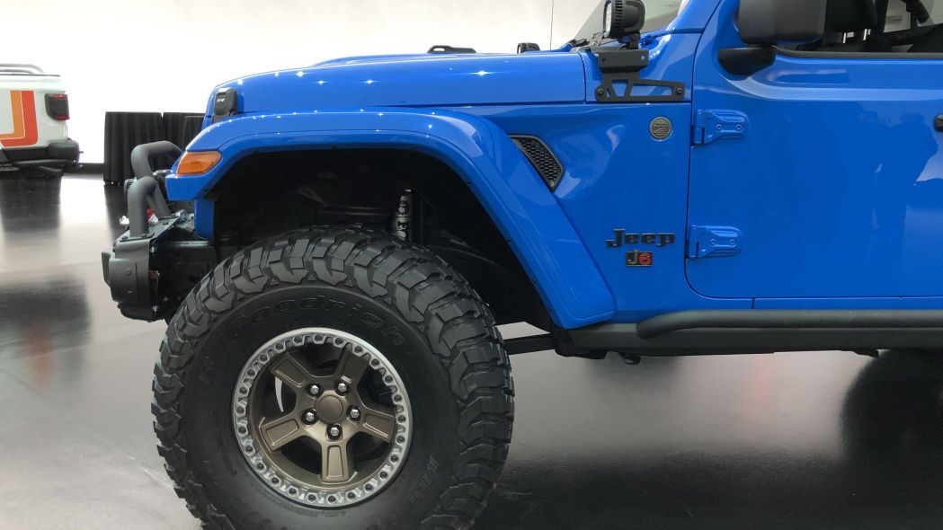 Jeep J6