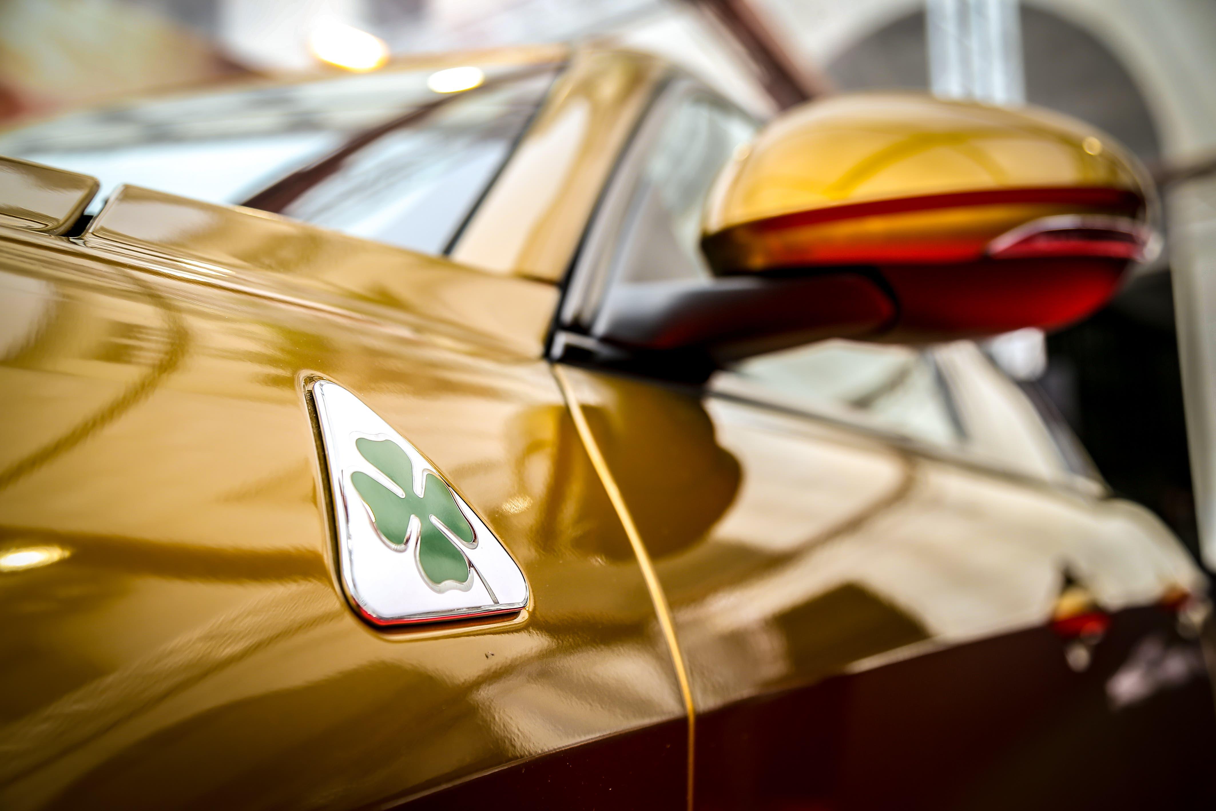 Alfa Romeo Giulia Quadrifoglio ocra