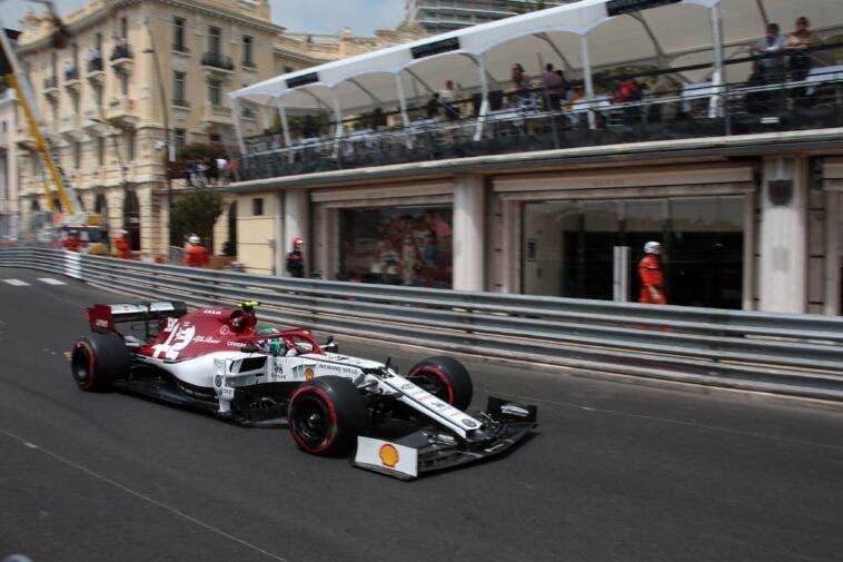 Alfa Romeo Racing - Antonio Giovinazzi