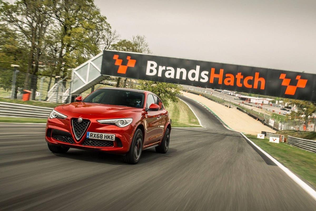 Alfa-Romeo Stelvio Quadrifoglio record Regno Unito