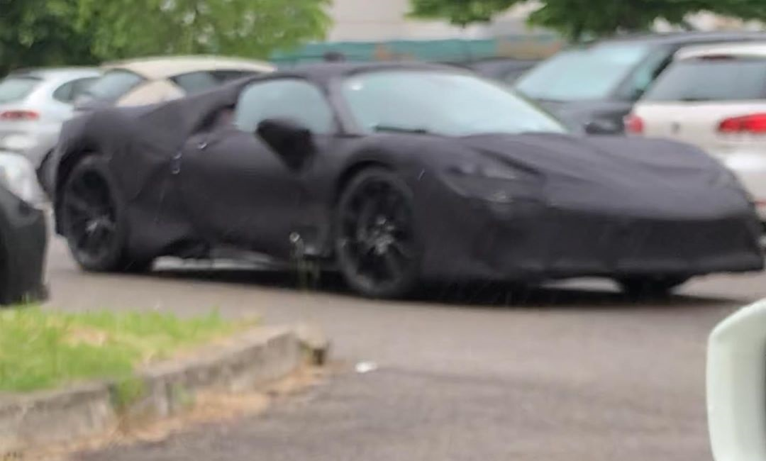 Ferrari prototipo Supercar ibrida foto spia