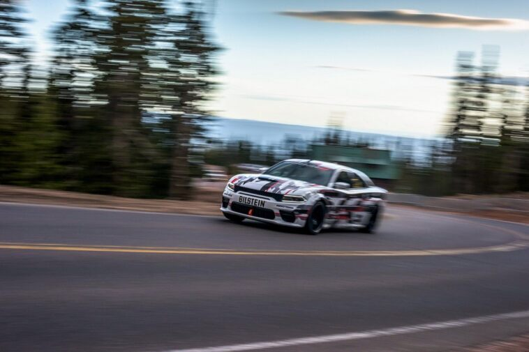 Dodge Charger SRT Hellcat Widebody Pikes Peak
