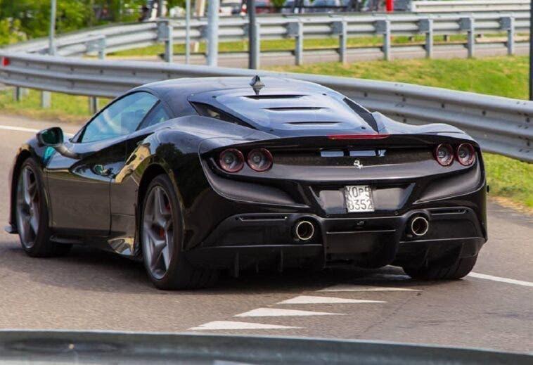 Ferrari F8 Tributo nera