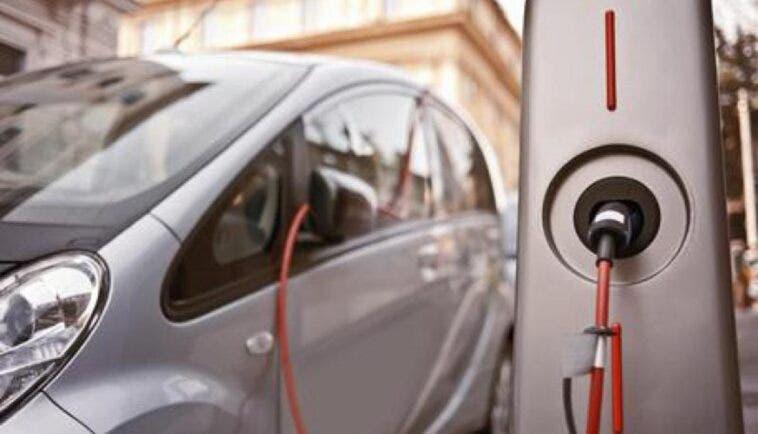 Auto elettriche mercato