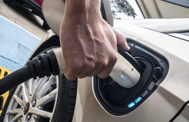 Auto elettrica costi