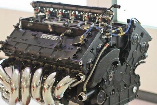 Ferrari motore V12 412