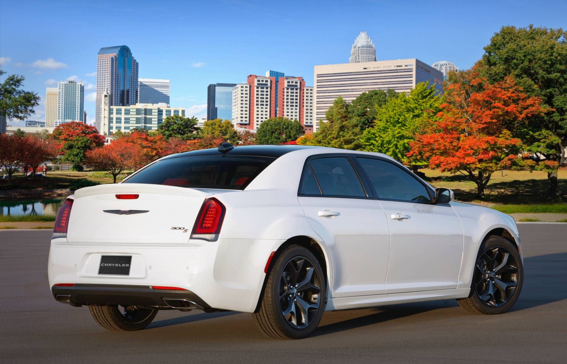 Nuova Chrysler 300S Red S Appearance