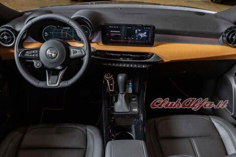 Alfa Romeo Tonale Suv Foto Definitiva interni