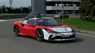 Ferrari F8 Spider prototipo test