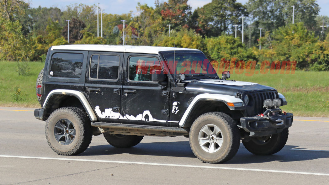 Jeep Wrangler Star Wars Stormtrooper Edition foto spia