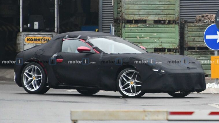 Ferrari Portofino coupé foto spia