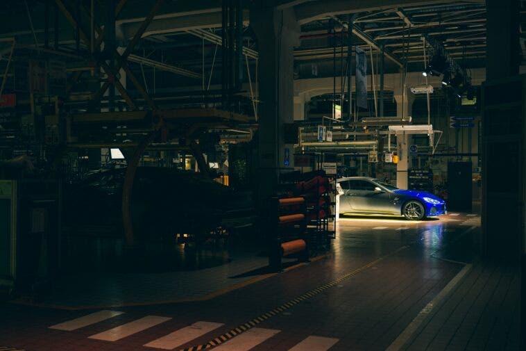 Maserati notte stabilimento Modena