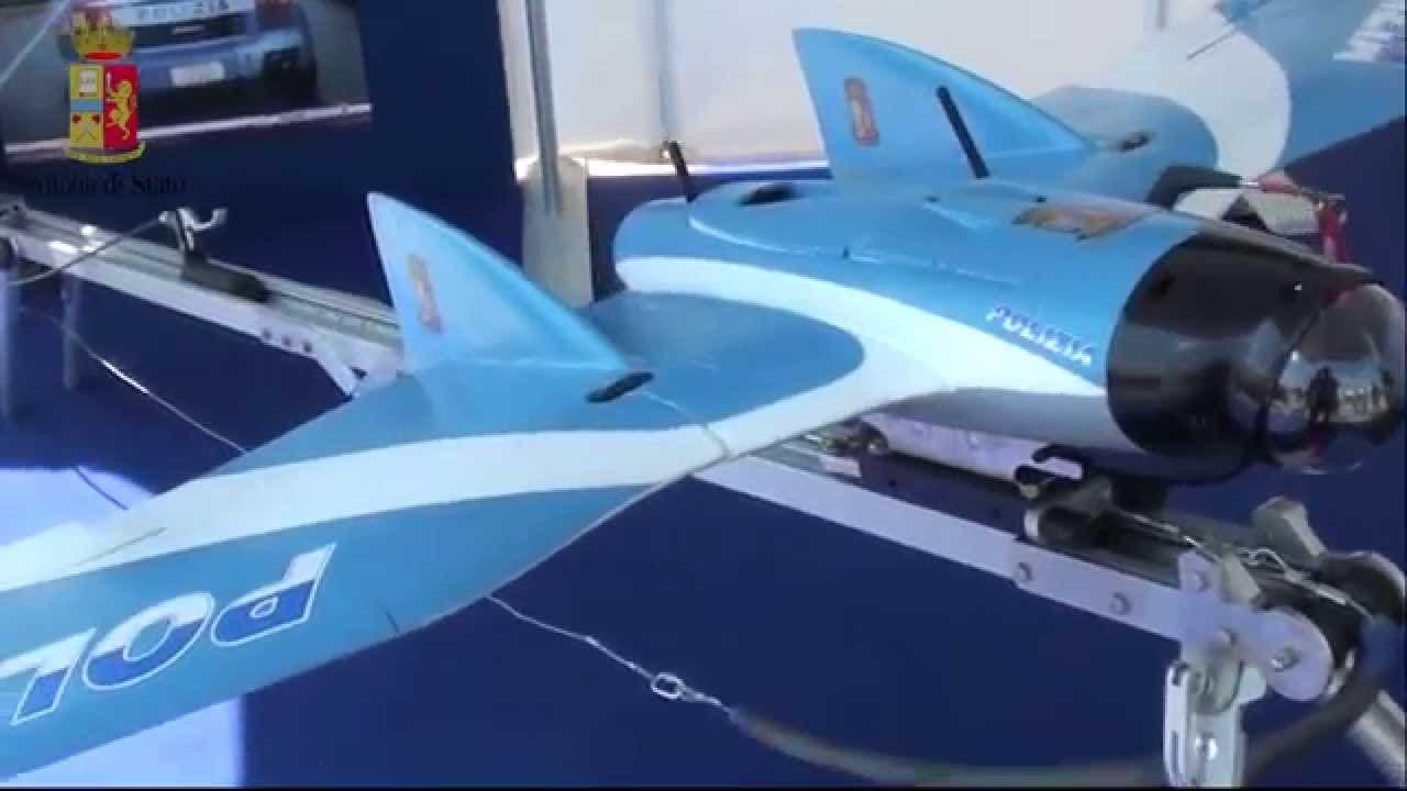 drone della polizia di stato italiana
