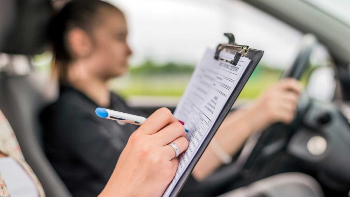 esame della patente di guida auto