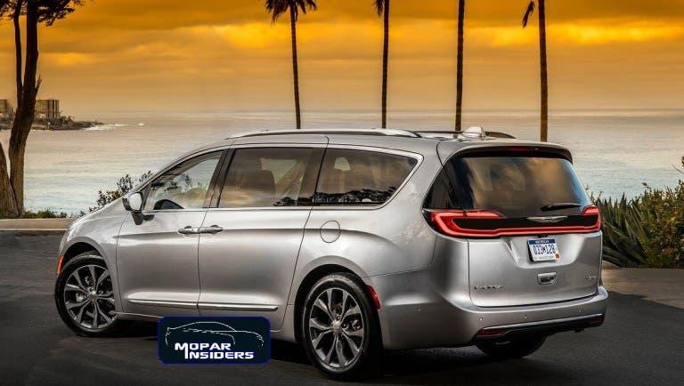 Chrysler Pacifica 2021 render
