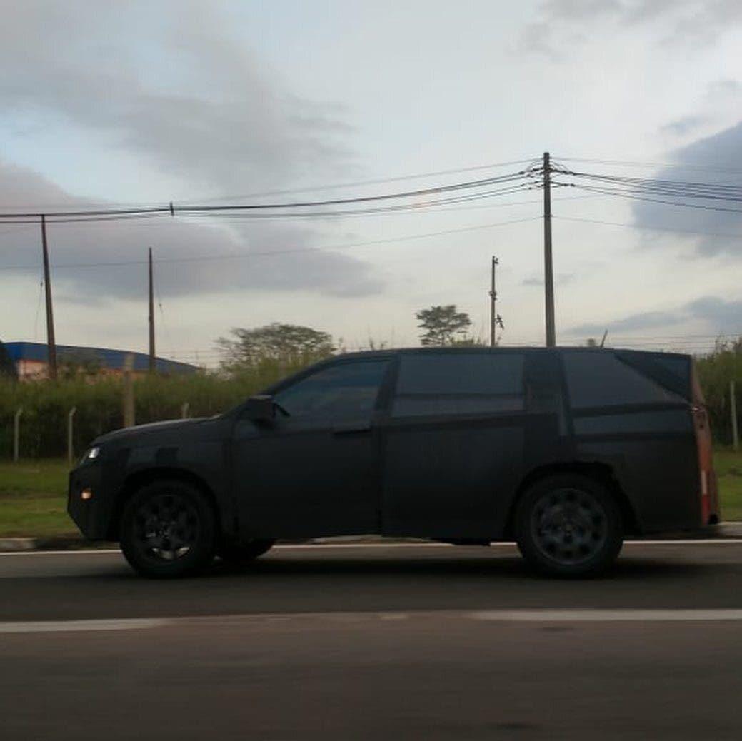 Fiat Jeep SUV foto spia Brasile
