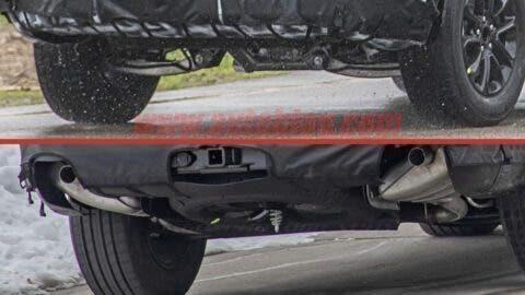Jeep SUV tre file foto spia