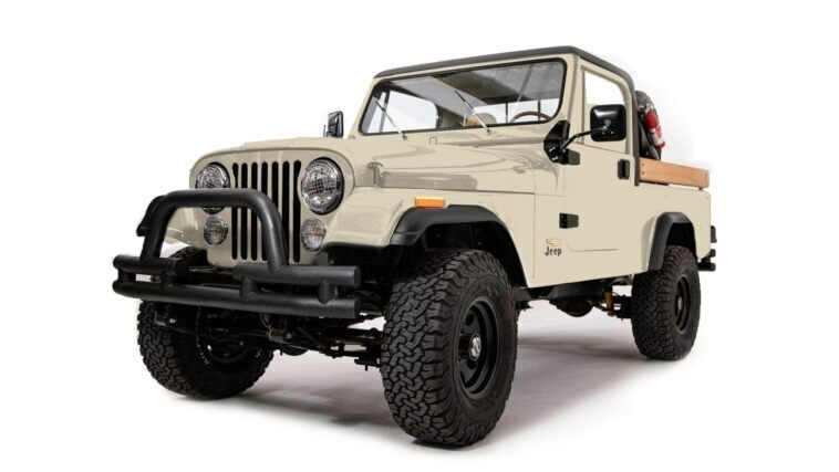 Jeep CJ-8 Scrambler restomod Ball and Buck