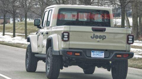 Jeep Gladiator Sand Runner foto spia