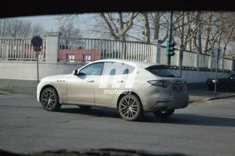 Maserati Levante 2021 foto spia